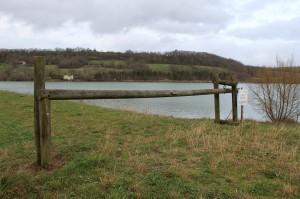 Barrière restaurée au bout de la digue